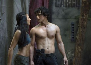 The 100 - Episode 1.02 - Earth Skills - Promotional Photos bellamy fille