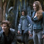 the-100-saison 2 2x01  Kane et Abby camp