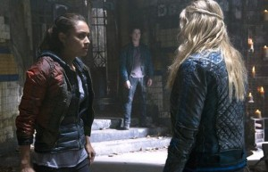 The 100 - Episode 2.09 - Remember Me - Clarke, Raven, Finn